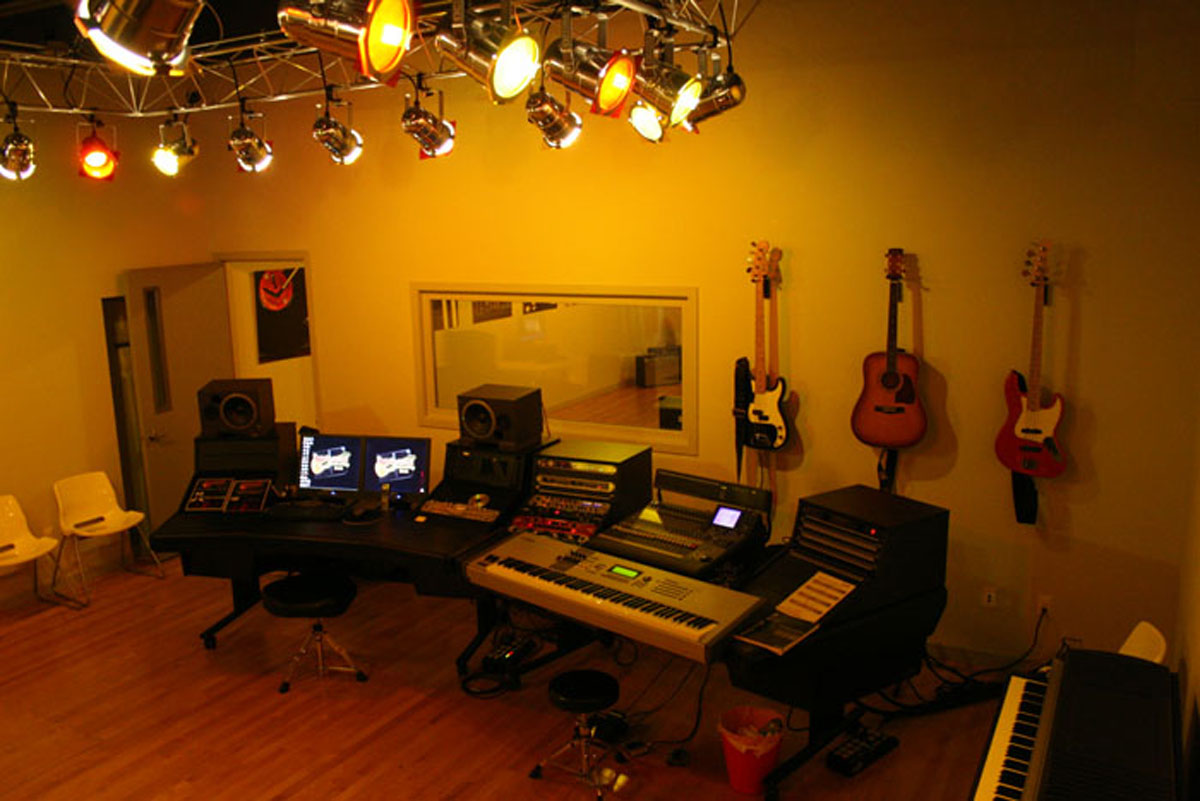 The students of The Detroit School of Rock and Pop Music get the studio every Monday evening as part of their programs! Studio Circle is a free club for all students where they make projects come to life each week.